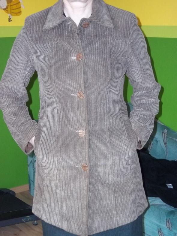 Sztruksowy płaszcz