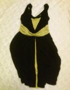 Mała czarna z limonkowym spodem