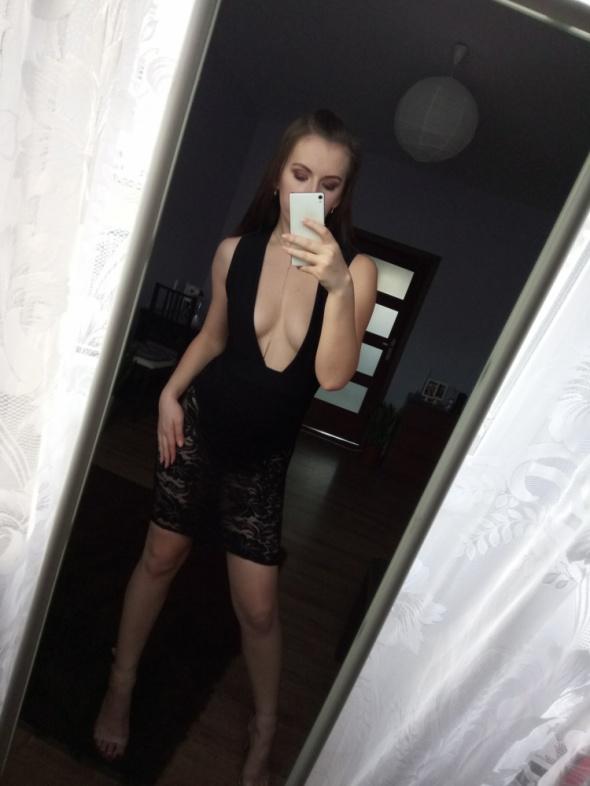 4c052c5b61 Nowa czarna sukienka koronkowa body dekolt wycięcie midi dopasowana  elegancka must have hit