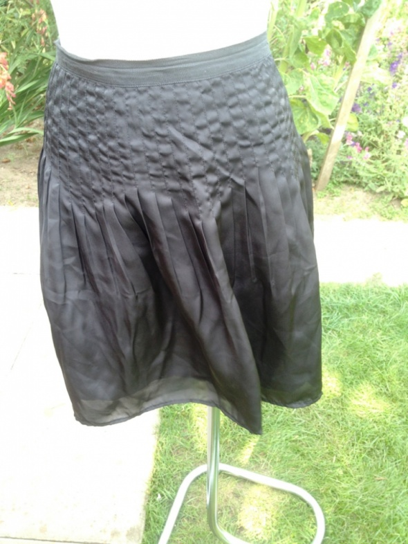 Piękna ciemno brązowa plisowana spódnicaEasy We