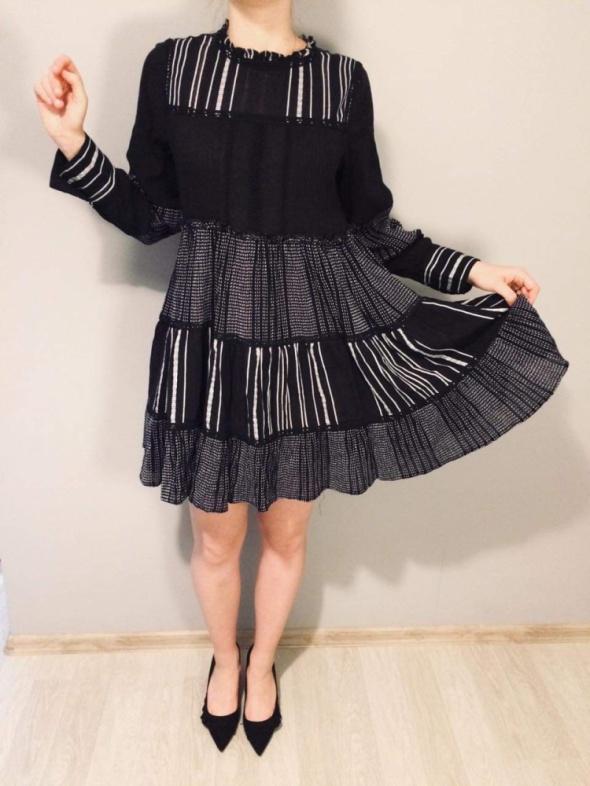 Nowa elegancka sukienka o luźnym kroju z łączonych tkanin ZARA ...