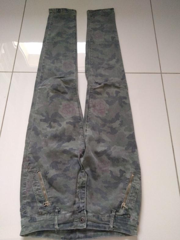 Spodnie rurki moro w róże rozmiar S 36