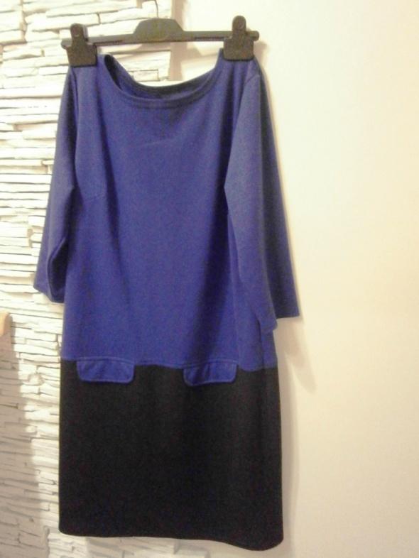 sukienka dzianinowa szafir z czernią
