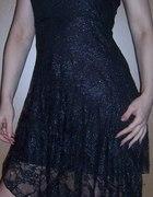 sukienk czarna z koronki...
