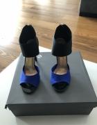Śliczne czarno kobaltowe sandały na obcasie...