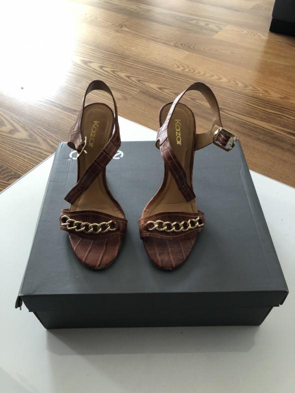 Wygodne sandały KAZAR
