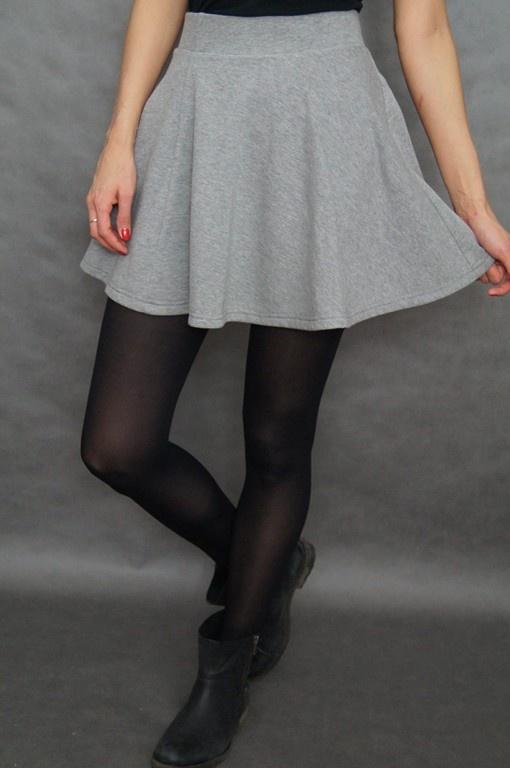 Spódnica rozkloszowana czarna S