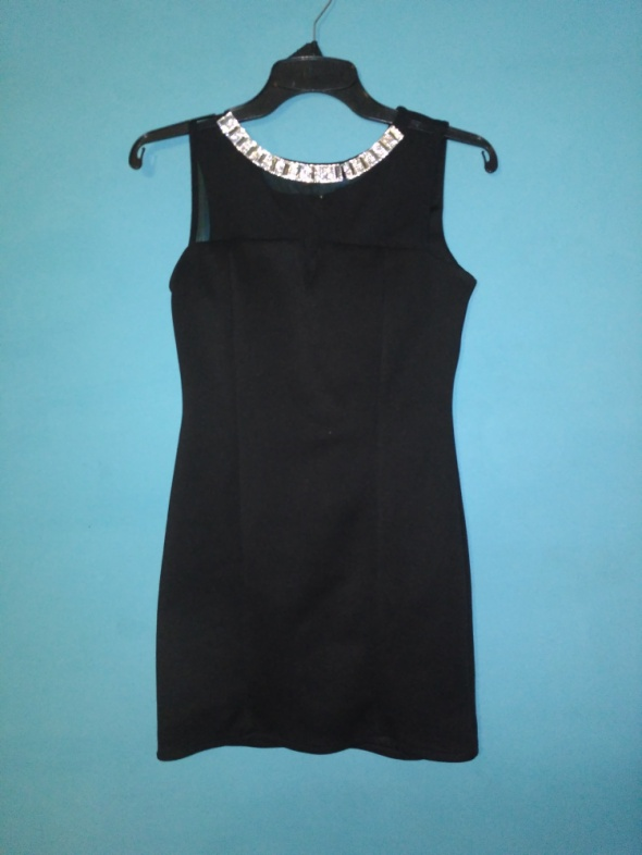 Czarna sukienka z prześwitującą górą M