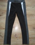 Czarne legginsy z szaro białymi wstawkami SM...