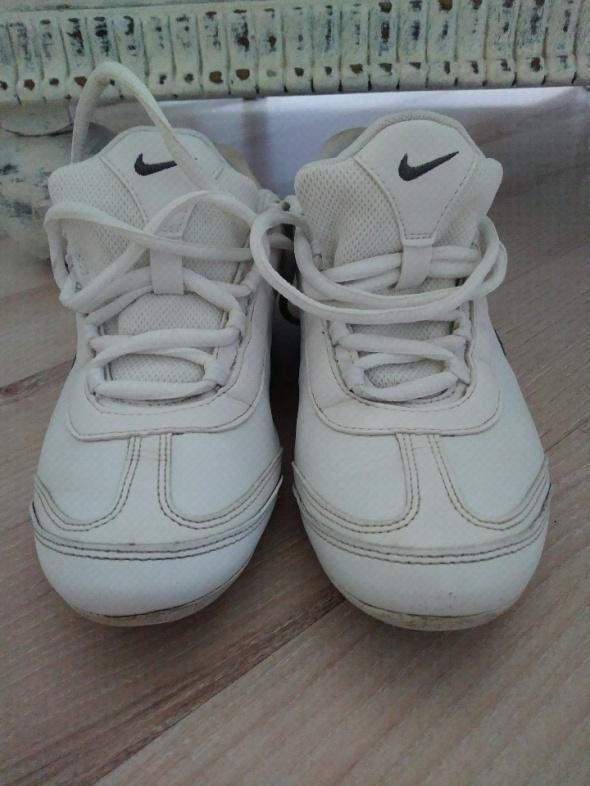 Nike Alexi 36 37...