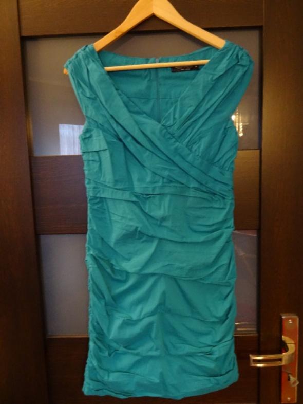 Niebieska marszczona sukienka rozmiar M