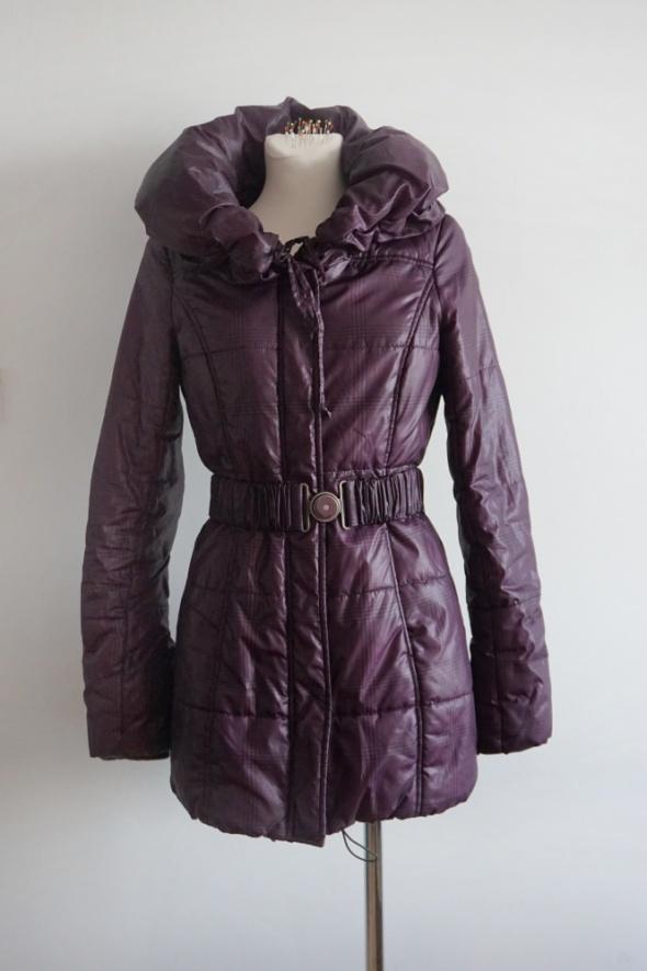 Odzież wierzchnia Taliowana puchowa kurtka styl Moncler S
