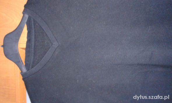 Czarna bluza chłopięca