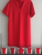 Sukienka czerwona z chokrem...