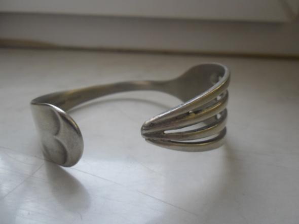 Ciekawa angielska bransoletka stylizowany widelec
