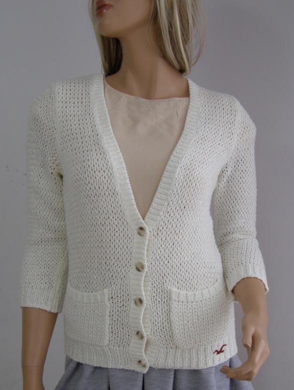 sweter ecru 38 M jak nowy Hollister logo