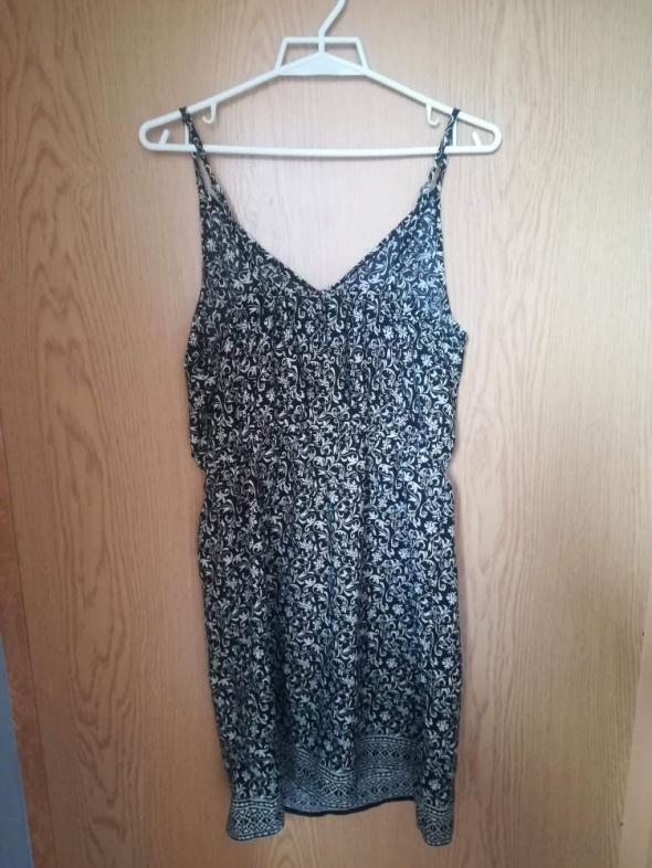 Letnia sukienka w rozmiarze 14 42...