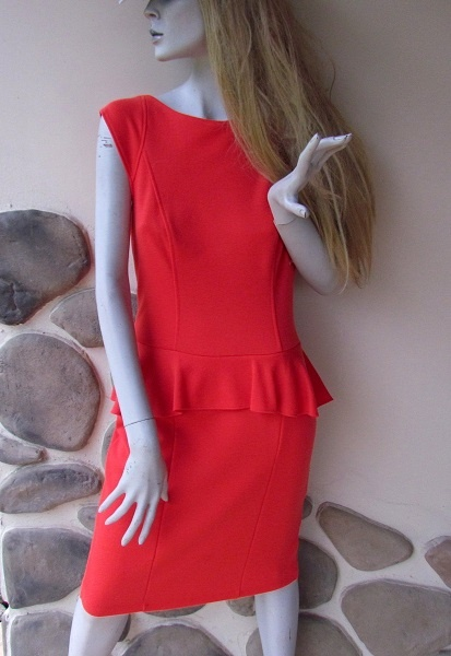 Elegancka z baskinka nowa sukienka