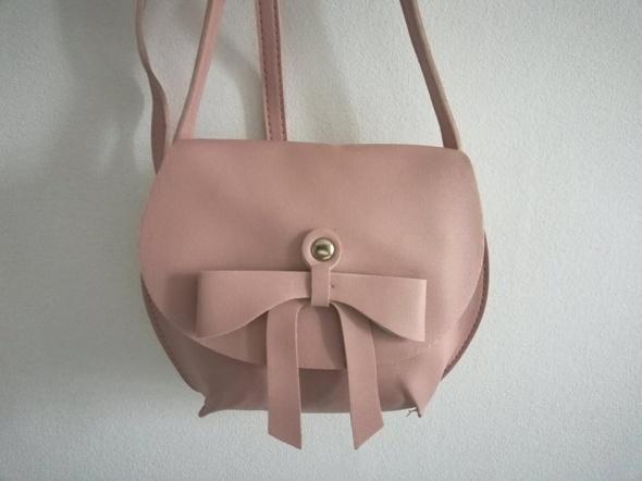 3ffe757777287 śliczna blado różowa torebka z kokardką eko skórka w Torebki na co ...