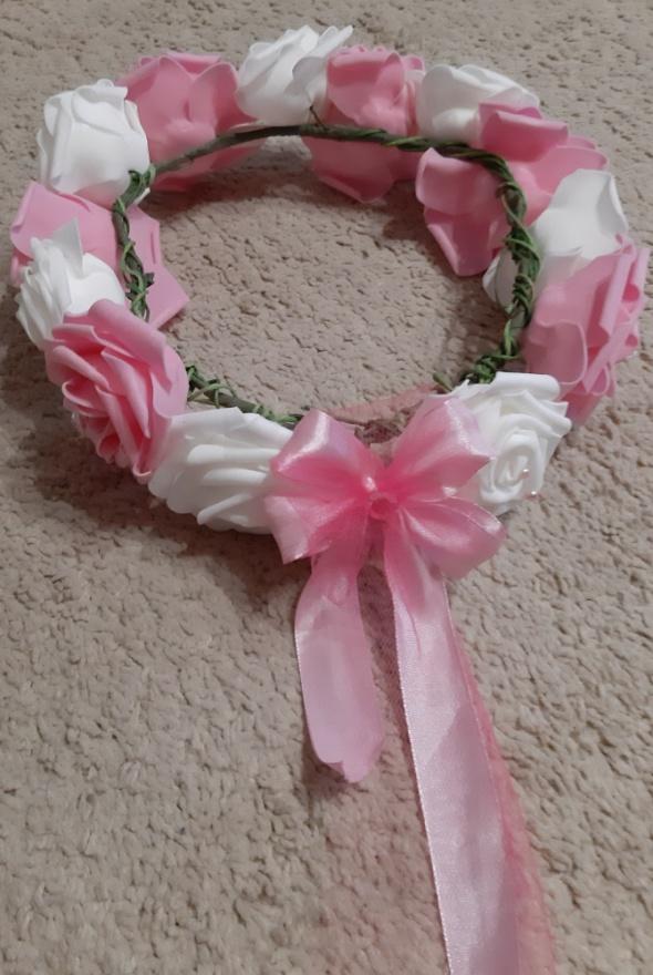 Wianek opaska kwiaty roze białe różowe