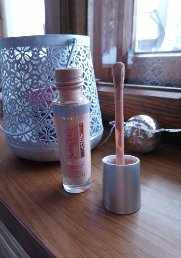 RIMMEL lasting finish 25HR breathable podkład SPF 20 101 Classi...