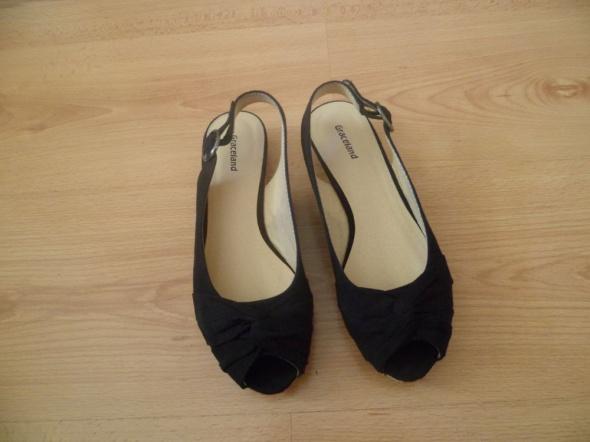 Czarne sandałki zamszowe Graceland Deichmann...