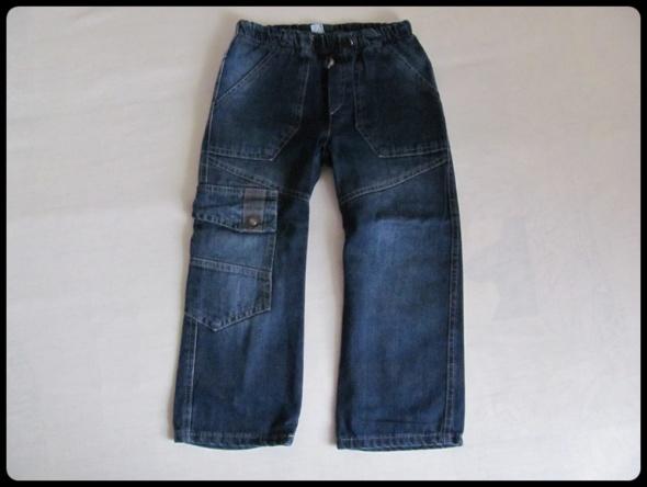 NOWE spodnie chłopięce 104 jeansy