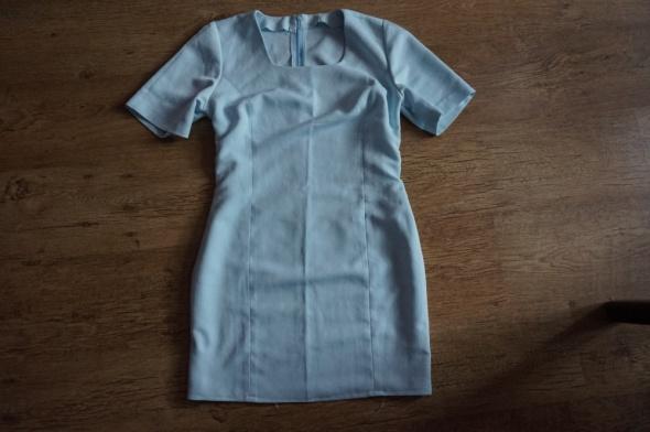 Minimalistyczna sukienka baby blue S M
