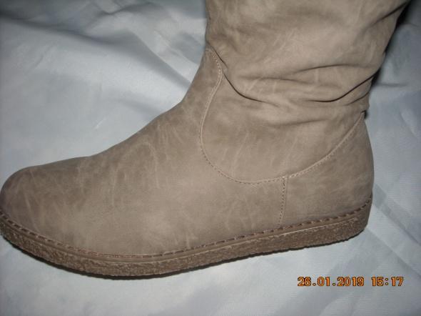 Buty zimowe kozaki buty emu 41 42