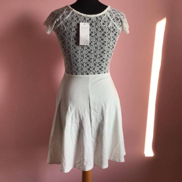 Nowa koronkowa sukienka 36 S Terranova...