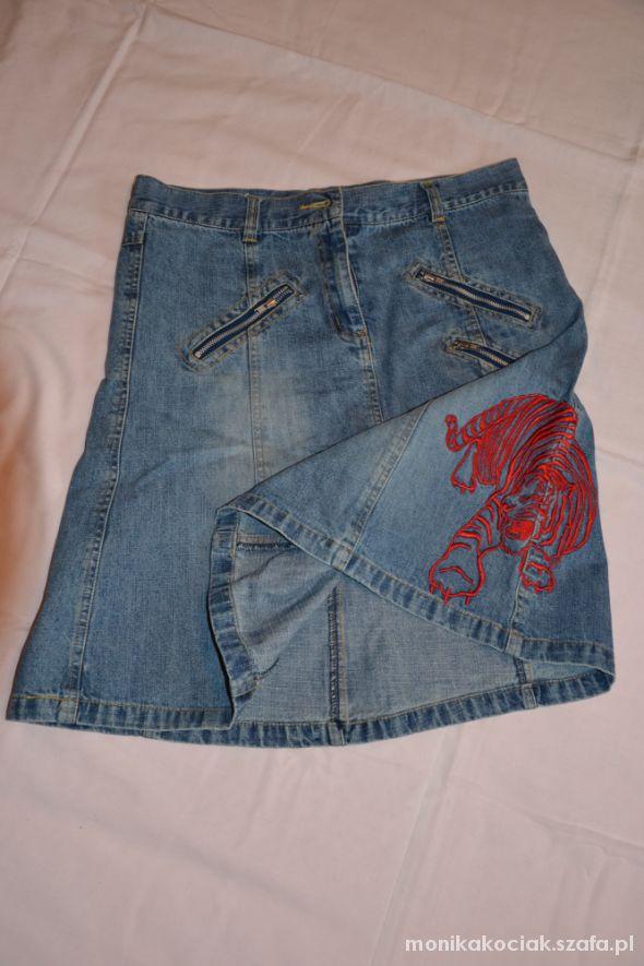 Jeansowa z zipami
