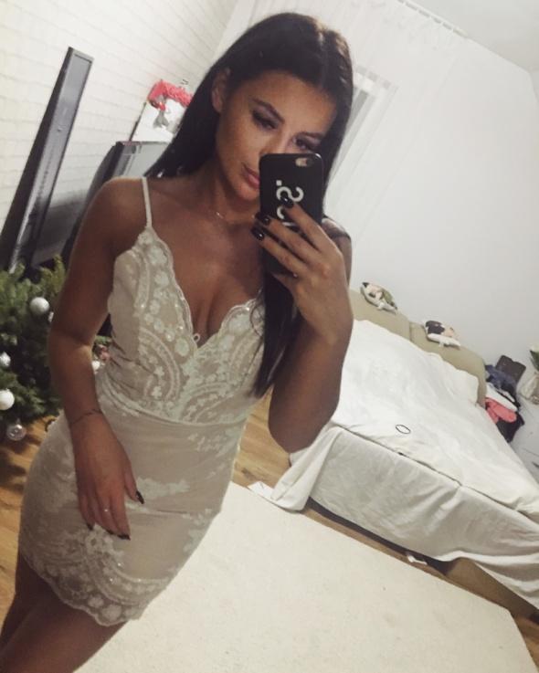 Piękna sukienka cekiny beżowo biało moda seksowna s