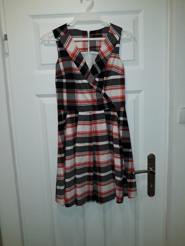 suknia w kratę