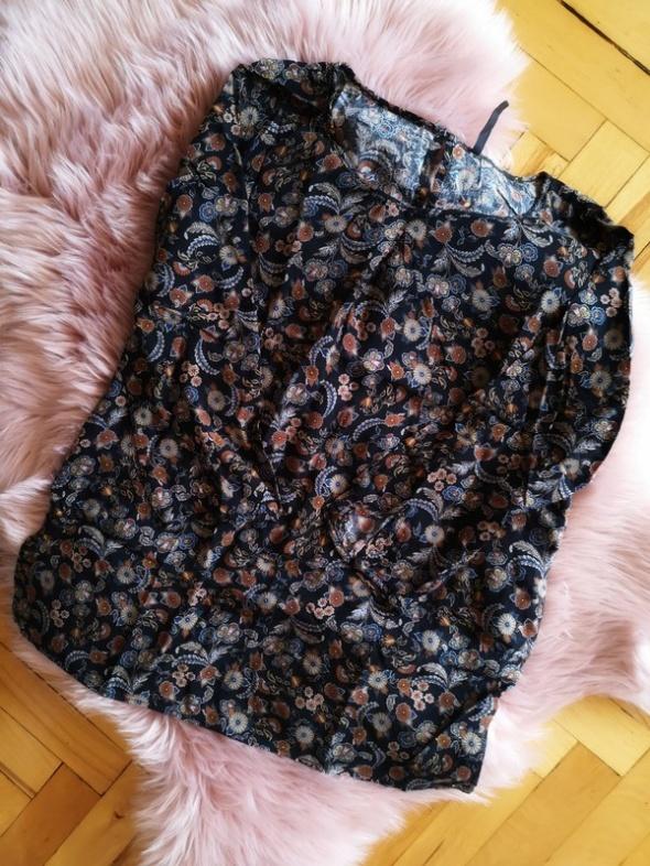 Bluzeczka w kwiaty Stardivariis...