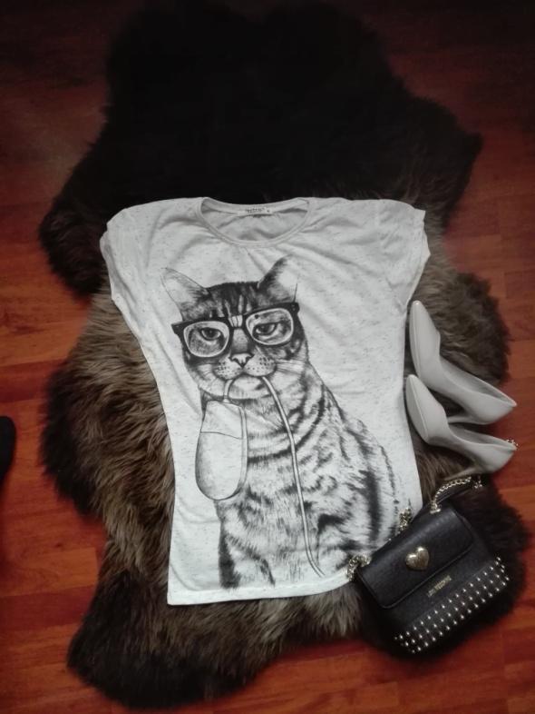 Szary t shirt z kotkiem