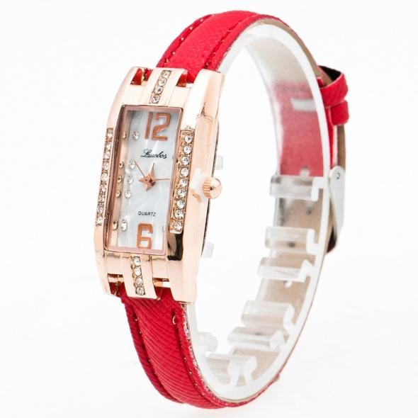 Zegarek damski na pasku skórzanym z cyrkoniami