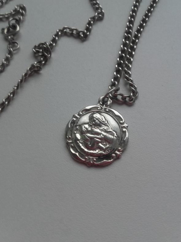 łańcuszek z wisiorkiem medalik boska matka