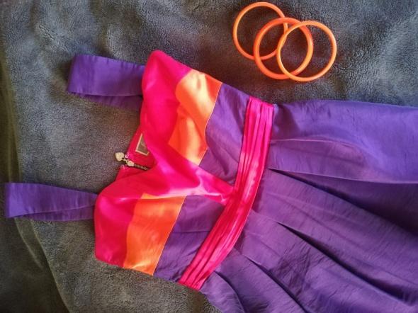 Suknie i sukienki Lipsy London super soczyste kolory