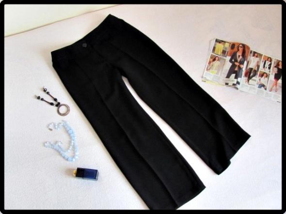 Marks i Spencer czarne spodnie na kant rozmiar L
