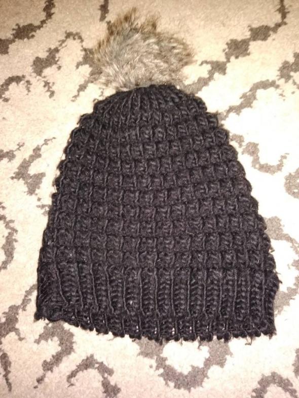 Nakrycia głowy Czapka czarna pompon Orsay