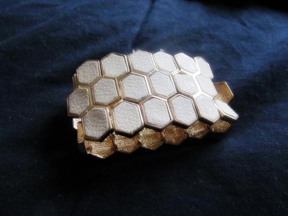 kremowo złota bransoletka na gumce