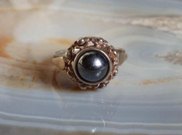 Stary srebrny pierścionek Warmet wianuszek hematyt