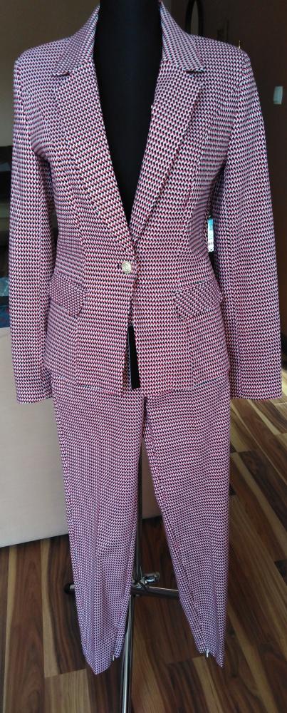 Kostium damski klasyczny