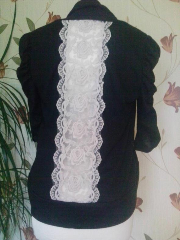 sweterek narzutka koronka