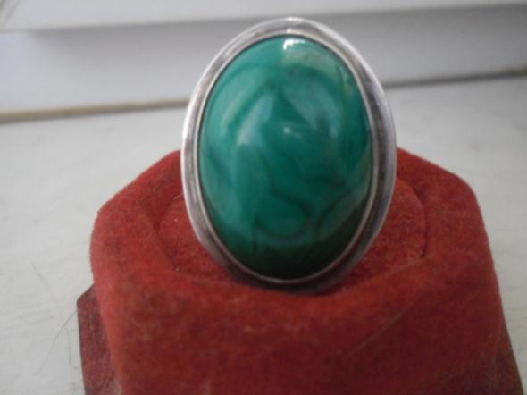 Srebrny autorski pierścionek z malachitem 13 gramów