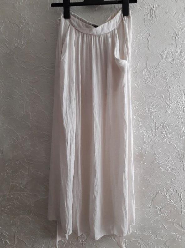 Długa spódnica ecru