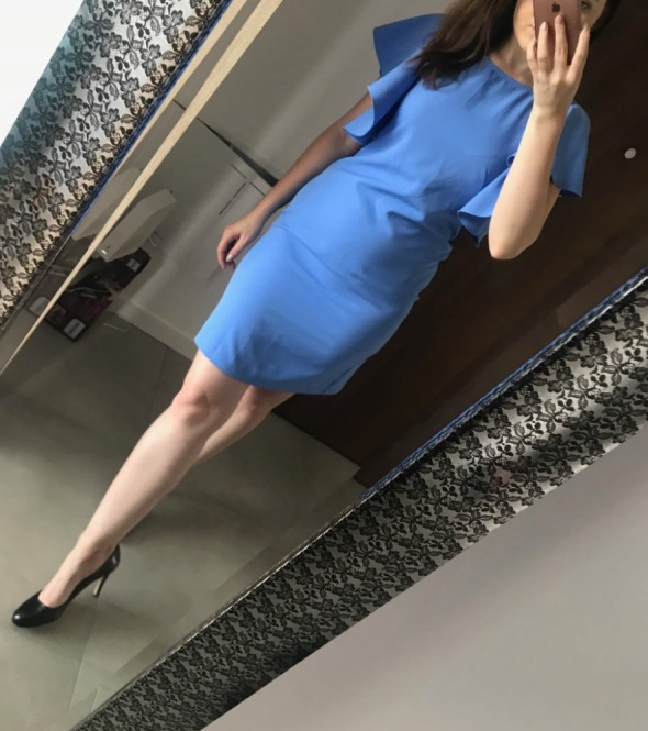 Elegancka mała niebieska krótka sukienka wizytowa koktajlowa we...