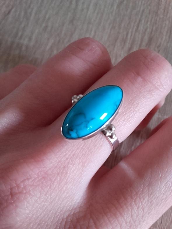 Srebrny pierścionek z naturalnym turkusem jak nowy punce