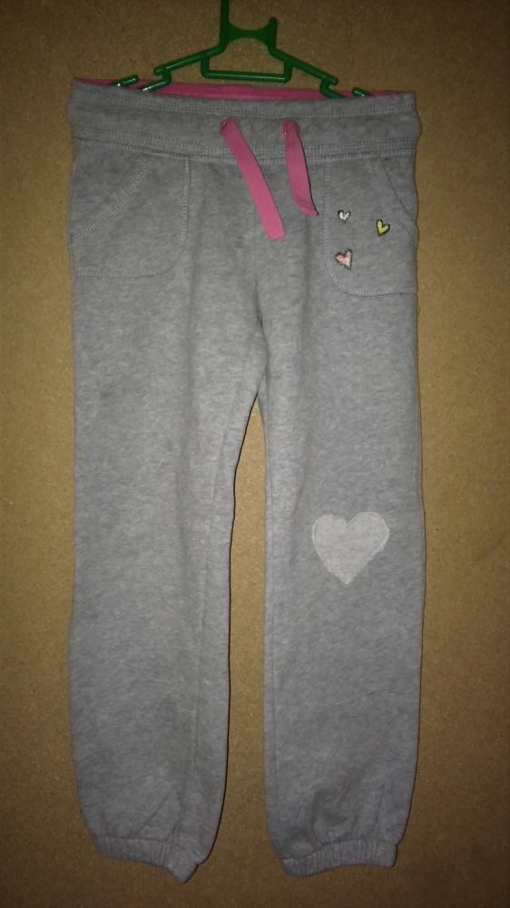 Szare dziewczęce spodnie dresowe 116 m