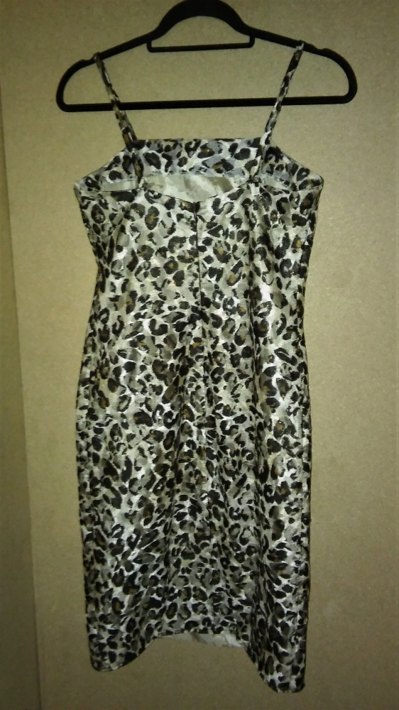 Siateczkowa sukienka ołówkowa midi 40